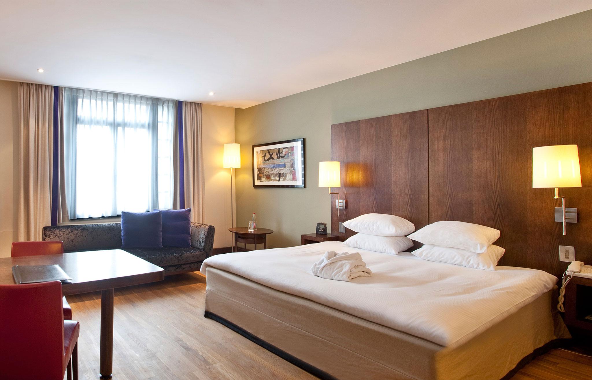 Stunning chambre dhotel de luxe 2 photos design trends for Chambre de luxe avec jacuzzi belgique