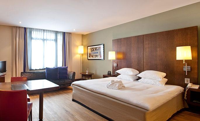 Hôtel Hilton Brussels City, Belgique - Chambre de luxe avec trés grand lit
