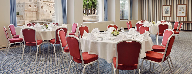Im Luxushotel können außer Tagungen und Konferenzen auch Galadiner veranstaltet werden