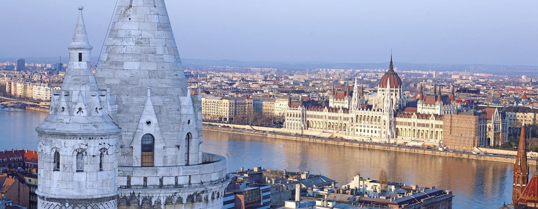 Vom 5-Sterne Hotel können Sie das Panorama auf die Donau und das Parlamentsgebäude von Budapest bewundern
