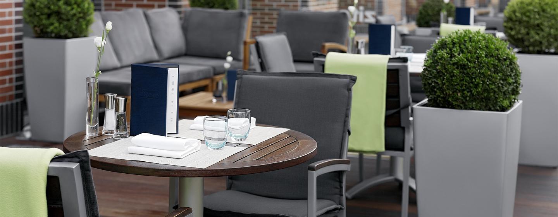 Auf der Terrasse können Sie sich leckere Cocktails oder andere Getränke schmecken lassen