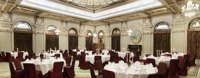 Der prungvolle Ballsaal ist die ideale Räumlichkeit für Ihre Veranstaltung