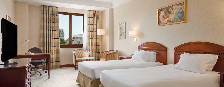 Die geräumigen Zweibettzimmer bieten Ihnen viel Komfort