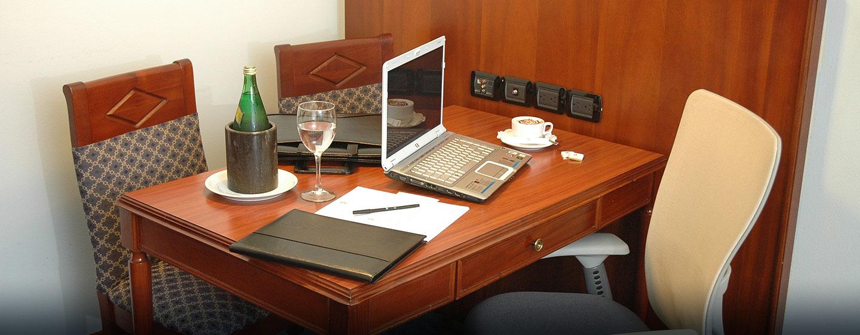 Hotel Embassy Suites by Hilton Caracas, Venezuela - Escritorio