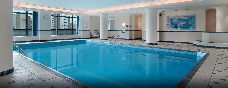 H tels roissy hilton paris charles de gaulle airport - Hotel avec piscine interieure paris ...