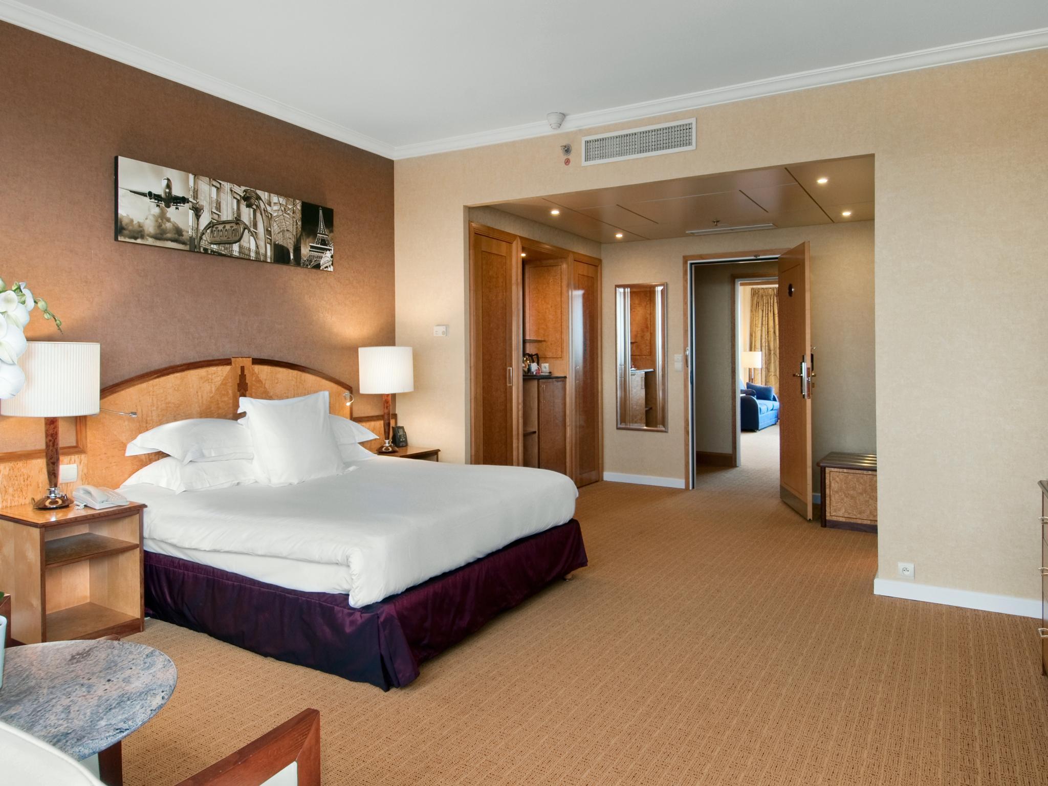 hilton hotels resorts france. Black Bedroom Furniture Sets. Home Design Ideas