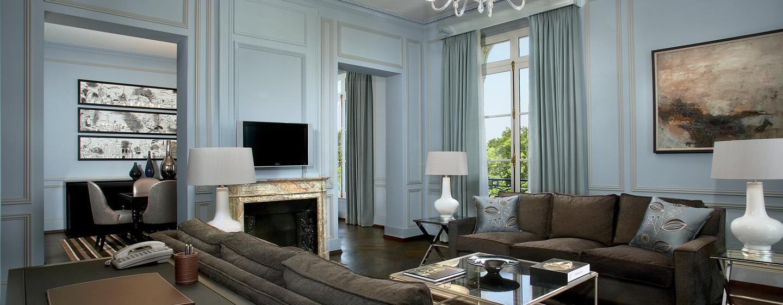 Hôtel Trianon Palace Versailles, Waldorf Astoria, France - Salle de séjour de la Suite Versailles