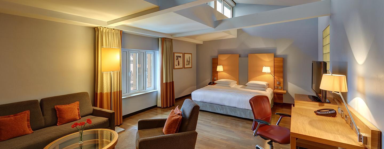Erleben Sie die komfortable Junior Suite im oberen Stockwerk des Hotels