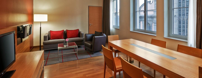 Die Duplex Suite bietet Ihnen ein separates Wohn- und Schlafzimmer im oberen Stockwerk des Hotels