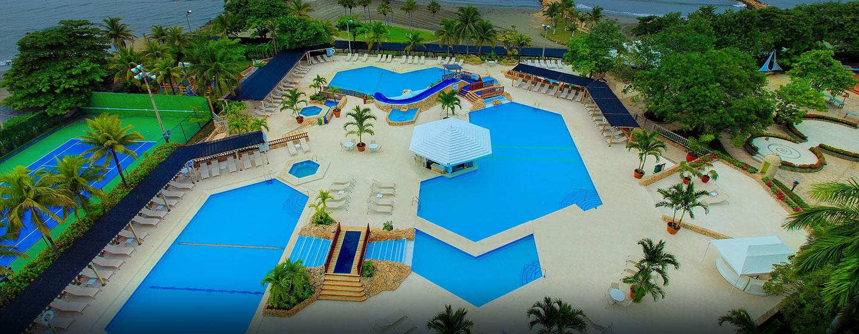 Hotel Hilton Cartagena, Colombia - Área de la piscina