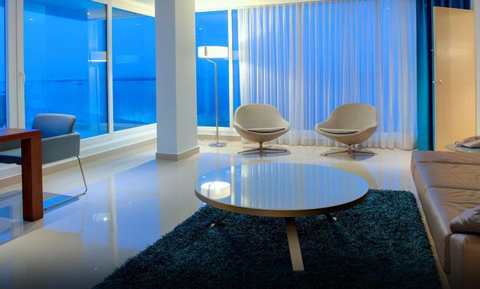 Hotel Hilton Cartagena, Colombia - Sala de estar de la suite