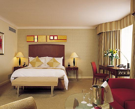 Conrad Dublin hotel, Irland - Junior Suite mit King-Size-Bett