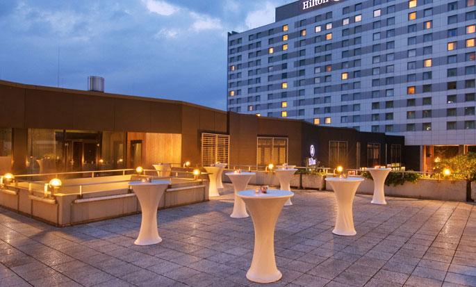Hilton Dusseldorf hotel, Duitsland - Buitenkant hotel