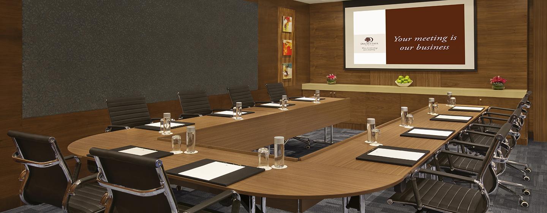Die Präsentationen im Meetingraum werden durch moderne Tagungstechnik unterstützt