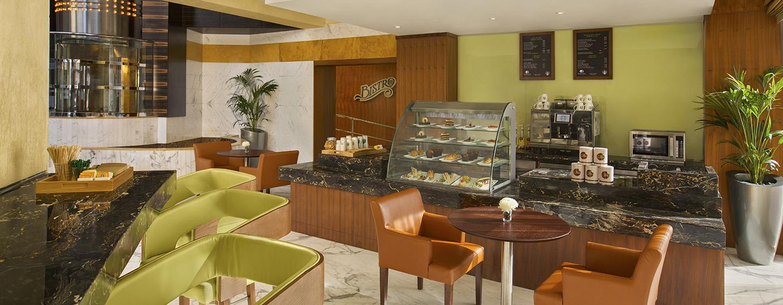 Lassen Sie sich einen frisch gebrühten Kaffe und leckeres Gebäck in der Lobby Lounge schmecken
