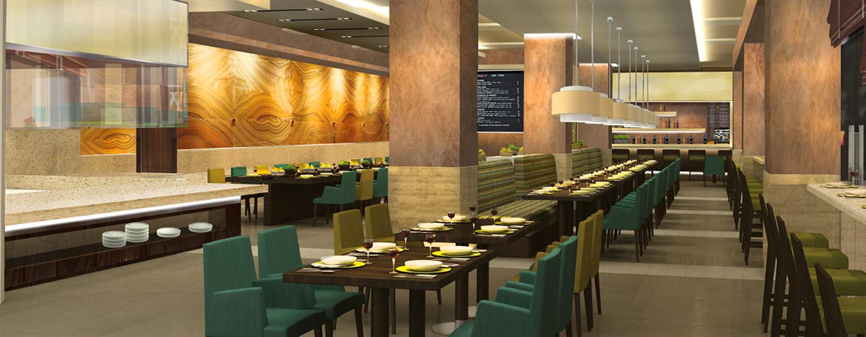 Im schönen Restaurant können Sie sich 24 Stunden am Tag internationale und regionale Gerichte servieren lassen