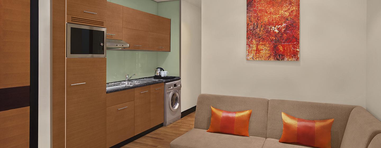 Fühlen Sie sich Dank des Küchenbereich in der Studio Suite wie zu Hause