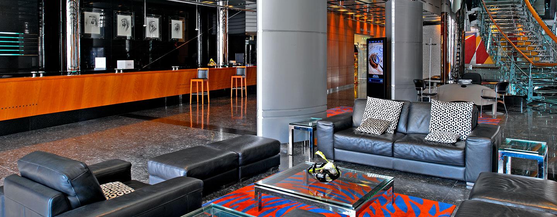 Hotel Hilton Dubai Creek, EAU - Reception nella lobby