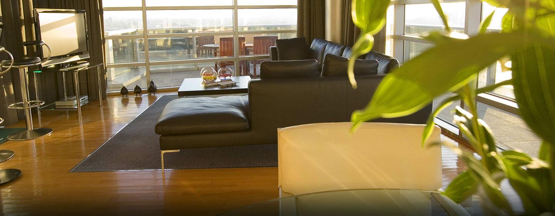 Im Luxushotel befinden sich mehrer Suiten verschiedener Größen, welche mit separtem Wohnbereich ausgestattet sind