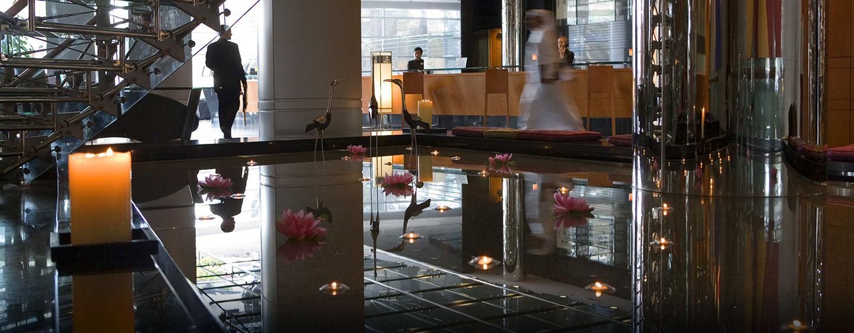 Im Eingangsbereich des Hotels werden Sie von den mehrsprachigen Mitarbeitern herzlich begrüßt