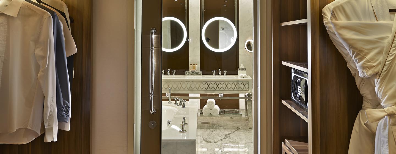 Hotel Waldorf Astoria Dubai Palm Jumeirah, EAU - Ampia cabina armadio
