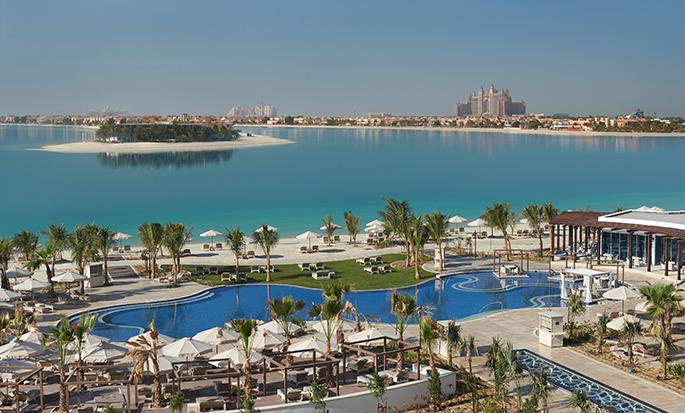 Waldorf Astoria Dubai Palm Jumeirah, VAE - Uitzicht op zwembad en oceaan