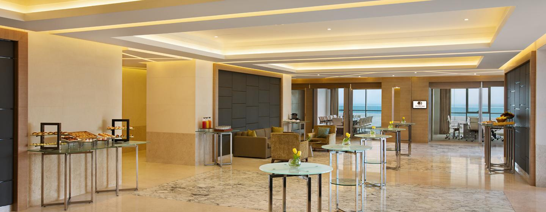Foyer Im Hotel : Doubletree by hilton hotels dubai jumeirah beach