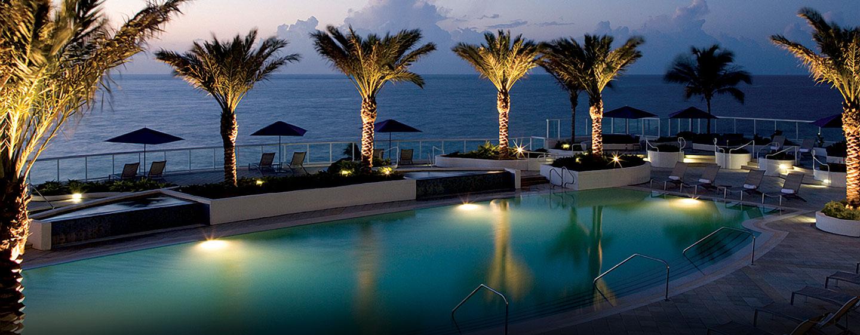 Hotel Hilton Fort Lauderdale Beach Resort Fl Piscina Por La Noche
