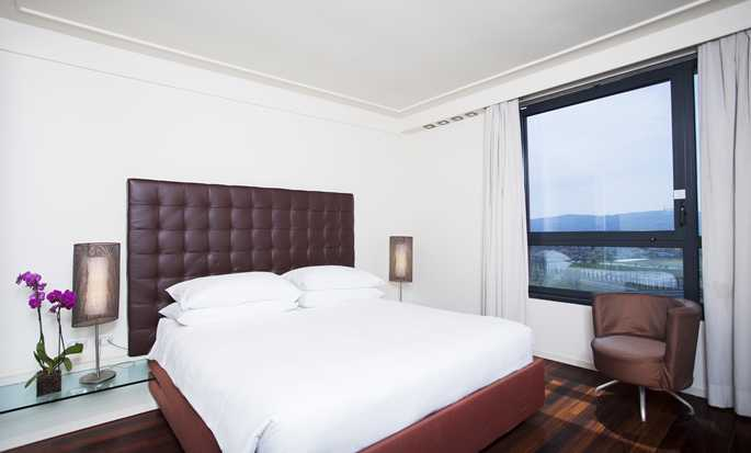 Hilton Florence Metropole Hotel, Italien – Executive Zimmer mit King-Size-Bett
