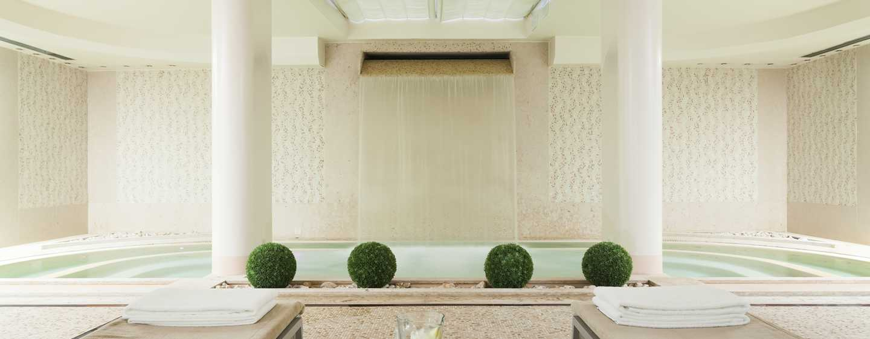 Hotel Hilton Florence Metropole, Italia - Vasca idromassaggio e zona relax