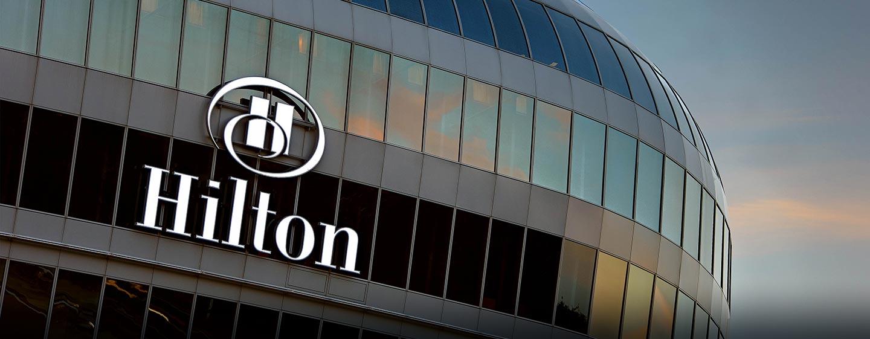 Am internationalen Flughafen in Frankfurt befindet sich das Hilton Frankfurt Airport
