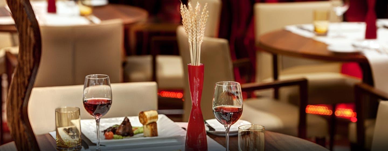Im RISE Restaurant werden lokale und internationale Gerichte angeboten