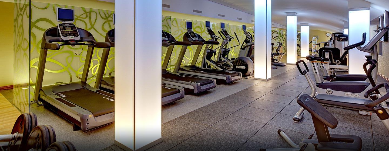 Das Fitness Center im Hilton Frankfurt Airport ist 24 Stunden für sie geöffnet