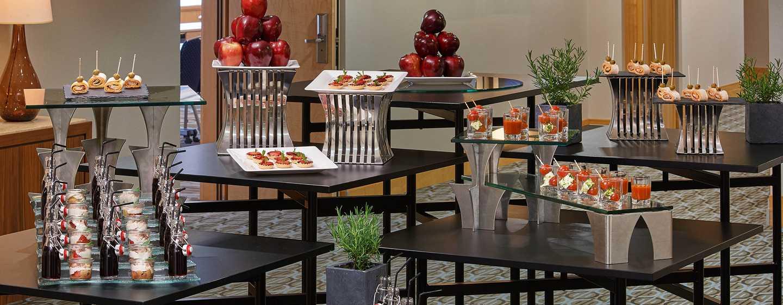 Im Meeting Foyer werden kleine Köstlichkeiten serviert
