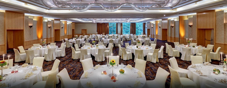 Besondere Anlässe können Sie im hoteliegenen Ballsaal feiern