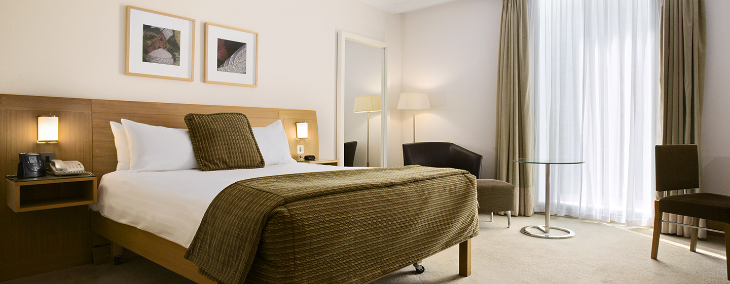 Hilton London Gatwick Airport, UK – Deluxe Doppelzimmer