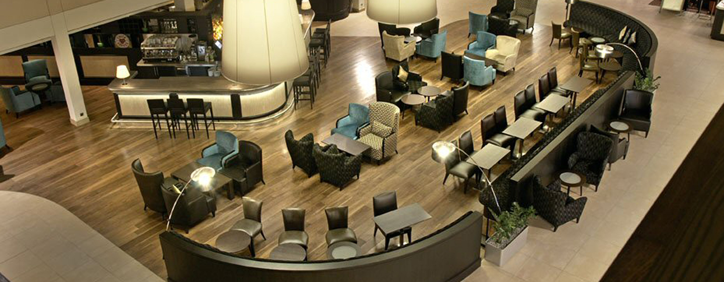 Hilton London Gatwick Airport, UK – Lobby-Bar