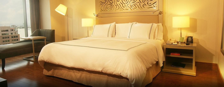 Hilton Guadalajara, Jalisco, México - Habitación Executive con una cama King