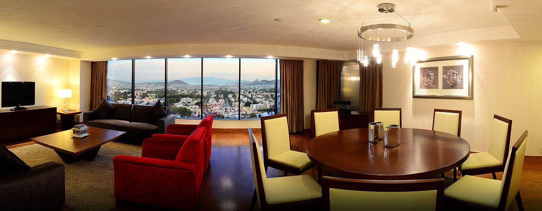 Hotel Hilton Guadalajara - Sala de estar de la suite Presidential