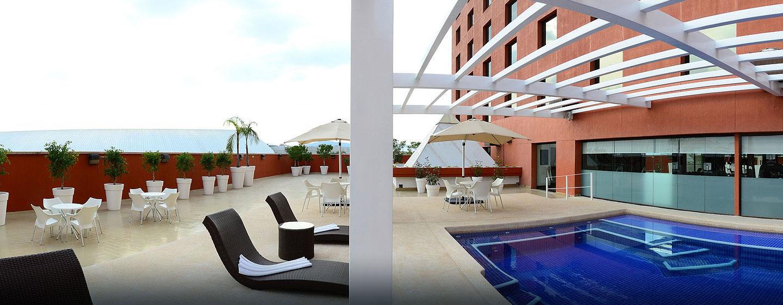 Hotel Hilton Guadalajara - Piscina al aire libre