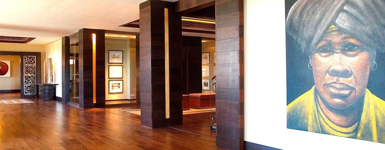 Conrad Pezula Resort and Spa, Knysna, Südafrika – Hotel-Lobby, Weg hinunter ins Erdgeschoss