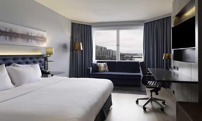 Hilton Helsinki Strand, Finnland– Plus Zimmer mit King-Size-Bett