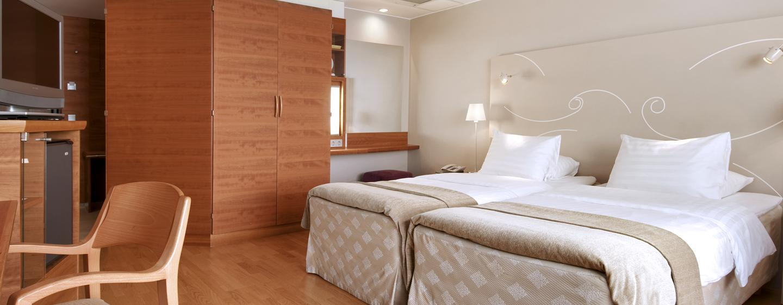 Hilton Helsinki Kalastajatorppa Hotel, Finnland – Deluxe Zweibettzimmer