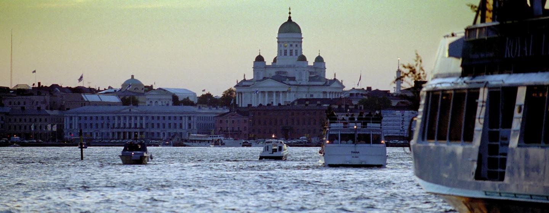 Hilton Helsinki Kalastajatorppa Hotel, Finnland – Blick vom Meer auf Helsinki