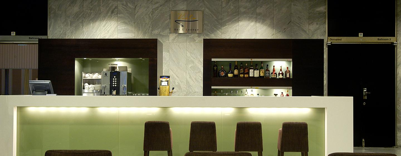 "Hilton Helsinki Kalastajatorppa Hotel, Finnland – Bar und Lounge ""Vista"""