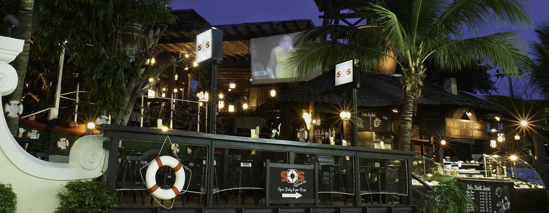 Hilton Hua Hin Resort & Spa, Thailand – Bar SOS Tugboat