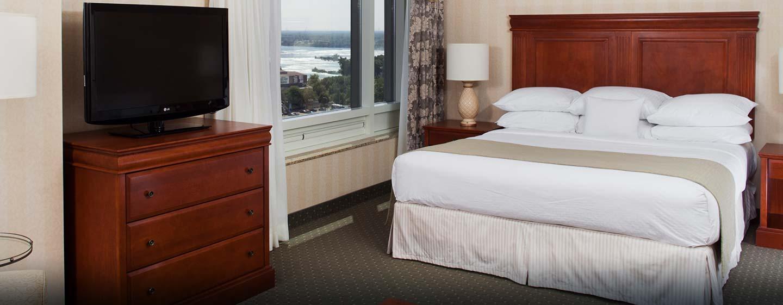 Hôtel Doubletree Fallsview Resort and Spa Niagara Falls, Canada - Chambre avec très grand lit