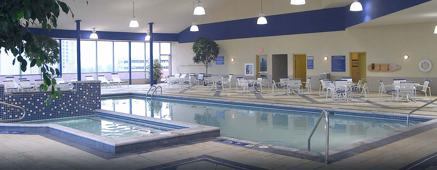 Hôtel Embassy Suites by Hilton Niagara Falls - Fallswiew, Canada - Piscine intérieure
