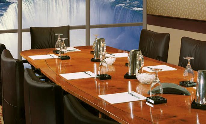 Hôtel Embassy Suites by Hilton Niagara Falls – Fallsview - Salle de réunion