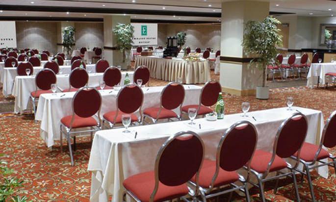 Hôtel Embassy Suites by Hilton Niagara Falls – Fallsview - Salle de réunion/conférence